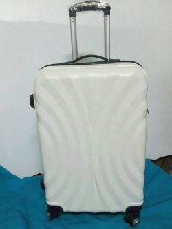 กระเป๋าเดินทางราคาถูก 24 นิ้ว ลายพัดสีขาว ของใหม่ คุณภาพดี