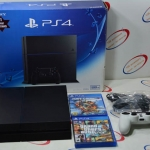 (Sold out)Sony Playstation 4 (PS4) + แผ่นเกมแท้ 2 แผ่น
