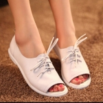 (Pre Order) รองเท้าเปิดนิ้วเท้ารองเท้าส้นแบนแฟลตผู้หญิงลำลองวินเทจ หนัง PU มีสีเดียว ขาว ไซส์35-39