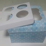 กล่องคัพเค้ก กล่องคัพเค้ก 4 ชิ้น (พร้อมฐานคัพเค้ก) ลายหมีฟ้า