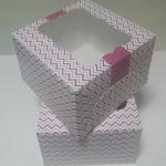 กล่องเค้กครึ่งปอนด์ กล่องคัพเค้ก 4 ชิ้น กล่องเค้ก กล่องขนม กล่องเบเกอรี่ ลายเกรียวคลื่น 16.8x16.8x9ซม.20ใบ/แพ็ค