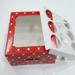 กล่องคัพเค้ก กล่องคัพเค้ก 8 ชิ้น (พร้อมฐานคัพเค้ก) ลายแดงวงกลม