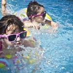 5 ข้อดีของการสอนเด็กๆ ว่ายน้ำ