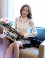 แฟชั่นเกาหลี เสื้อผ้าลูกไม้สีขาว เนื้อนิ่ม ยืดหยุ่นได้ดีลายดอกไม้ คอเสื้อแต่งด้วยมุกสีขาว หมุดสีเงิน