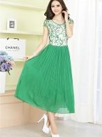ชุดเดรสยาว ตัวเสื้อผ้าโปร่งปักลายเส้นสีเขียว กระโปรงยาวอัดพลีต ซิบด้านข้างลำตัว มีซับใน