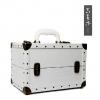 (preorder)กล่องเครื่องสำอางค์ GIKIM ขนาด 30*20*20 cm รุ่น White Rivet