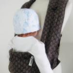 เป้อุ้มเด็กสไตล์ญี่ปุ่น  ผ้าญี่ปุ่นนำเข้า เนื้อดี ลายทอสีน้ำตาล มีแผ่นรองศีรษะ