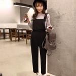 """New..New เอี้ยมกางเกงสีดำ+เสื้อยืดสีเทาเเขนยาว ทรงสวยน่ารักเว่อร์ ขนาดฟรีไซส์ เอวยืดสม้อคหลัง เอี้ยมเนื้อผ้าคอตตอน สวยค่ะ ขนาด : เสื้อ รอบอก32-36"""" ยาว23"""" รอบแขน 18"""" เอี้ยมกางเกงเอว25-30"""" สะโพก 36-38"""" ยาว57"""" สี : 1สี"""