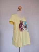 (ฮ่องกง) เสื้อคลุมท้องให้นม ผ้ายืดสีเหลืองสดใส ใส่แล้วเด่นแน่นอน ด้านหน้าสกรีนรูปหมีประดับเพชรเม็ดเล็กสวยเป็นประกายทีเดียว