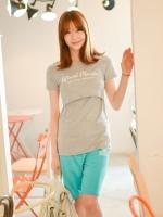 (เกาหลี)  เสื้อให้นมคอกลม พิมพ์ลายอักษรตรงหน้าอก เปิดให้นมด้านใน ด้านในเป็นเสื้อกล้ามผ้ายืด สวมใส่สบาย