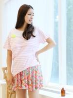 (เกาหลี)  เสื้อให้นม ลายขวางสีชมพูสลับขาว  แบบซิปซ่อนใต้อก  เปิดให้นมสะดวก เนื้อผ้ายืดนิ่มใส่สบายสุดๆ