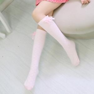 ถุงเท้าใต้เข่าแต่งโบว์ด้านข้าง สีชมพู ฟรีไซส์ 4-14ปี