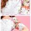 ชุดเดรสสั้น Brand Puss Puss ชุดเดรส ผ้าลายดอกไม้สีขาว ช่วงไหล่ แขน ด้านข้างลำตัว และชายกระโปรง เป็นลายดอกไม้หลากสี สวยมากๆครับ (พร้อมส่ง) thumbnail 6