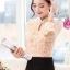 เสื้อแฟชั่น ตัวเสื้อด้านหน้าเป็นผ้ารูปดอกไม้ สีชมพูโอรส thumbnail 2