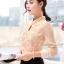 เสื้อแฟชั่น ตัวเสื้อด้านหน้าเป็นผ้ารูปดอกไม้ สีชมพูโอรส thumbnail 3