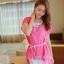 ชุดเดรสสั้น แฟชั่นน่ารัก ชุดเดรสสั้น สีชมพู เสื้อตัวนอกผ้าชีฟอง ตัวในผ้ายืดเข้ารูปสีขาว เย็บไหล่ติด พร้อมสร้อยและเข็มขัดน่ารักๆ สวยมากๆ ครับ thaishoponline พร้อมส่ง thumbnail 2