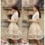เสื้อผ้าลูกไม้ แฟชั่นเกาหลี เนื้อนิ่ม ยืดหยุ่นได้สีขาว คอเสื้อแต่งด้วยมุกและคริสตรัลใส่ สวยมากๆ เลยครับ พร้อมส่ง thumbnail 6