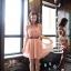 CHERRY DRESS ชุดเดรสคอจีน แฟชั่นผ้าชีฟอง สีชมพู ติดกระดุมหน้า แขนเสื้อแต่งระบายจับจีบ เอวเป็นยางยืด มีซับในทั้งตัว มาพร้อมเข็มขัดเข้าชุด ใส่ทำงาน น่ารัก Donut fashion (พร้อมส่ง) thumbnail 2
