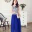 ชุดเดรสยาว Brand เกาหลี ชุดเดรสยาวแขนกุด ตัวเสื้อผ้าไหมสีขาว ปักด้วยด้ายสีน้ำเงิน กระโปรงผ้ามุ้งสีน้ำเงิน สวยมากๆครับ (พร้อมส่ง) thumbnail 1