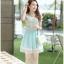 ชุดเดรสสั้น ตัวเสื้อผ้าชีฟองสีขาว หน้าอกเสื้อผ้าปักรูปดอกไม้ แต่งมุกสีขาว กระโปรงผ้าชีฟองสีฟ้า เย็บซ้อนด้วยผ้าไหมแก้ว thumbnail 5