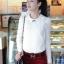 เสื้อแฟชั่น เสื้อเกาหลี เสื้อทำงาน ด้านหน้าเป็นผ้าลูกไม้ คอกลม เสื้อเป็นผ้ามัน ประดับพลอยที่คอ ซิปหลังครึ่งตัว เสื้อสีขาว สวยมากๆ (พร้อมส่ง) thumbnail 1