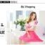 ชุดเดรสแฟชั่น เดรสตัวเสื้อผ้าชีฟอง เนื้อดีสีขาว ปักลายดอกไม้ที่หน้าอกและแขนเสื้อสีชมพู คอและปลายแขนเสื้อจั๊ม thumbnail 4