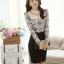 เสื้อผ้าลูกไม้ แฟชั่นเกาหลี สีขาวดำ พิมพ์ลาย ยืดหยุ่นได้ดี แขนยาว คอเสื้อแต่งด้วยมุก และคริสตรัลใส thumbnail 2